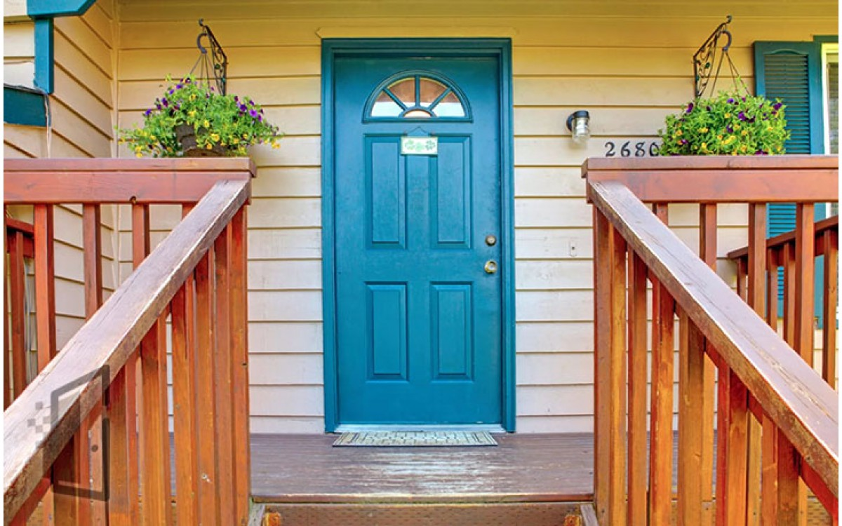 Как выбрать дверь на дачу